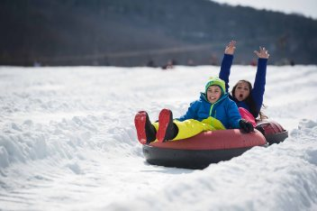 Snow tubing at Camelback, courtesy poconomountains.com